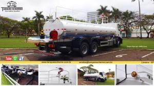 Tanque pipa com capacidade para 12.000 litros.
